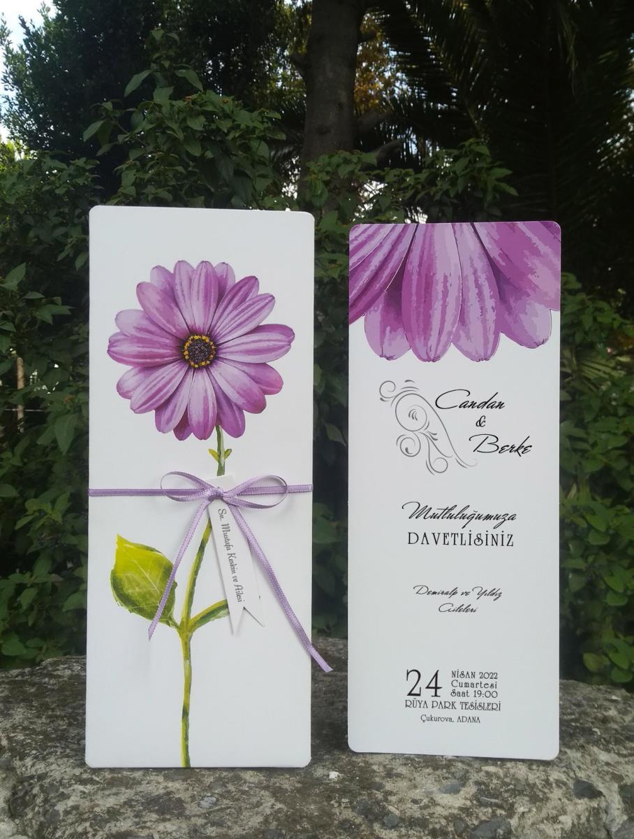 Mor ve Lila renklerinde Cerberen çiçeği temalı, kelebek aksesuarlı davetiye